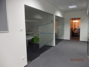 Skleněná stěna do kanceláří